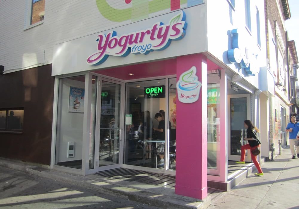 Maxximum Media --Yogurty's Froyo - 527 Bloor Street West - slider